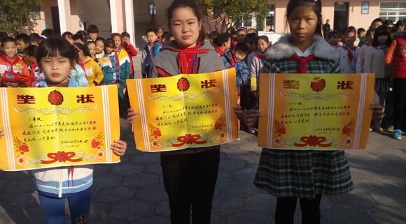 """江苏:石小举办""""写规范字,圆中国梦""""硬笔书法比赛"""