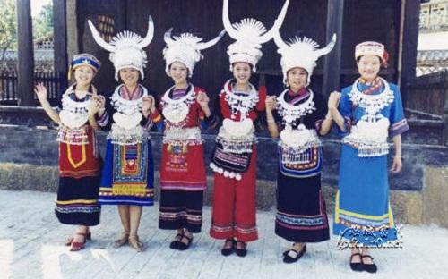 弘扬瑶族传统文化 连南征集瑶族服饰及手信设计